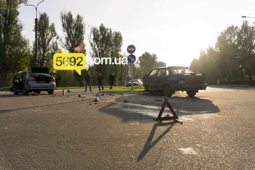 В Каменском на Куриловском перекрестке произошло ДТП с пострадавшими, фото-6