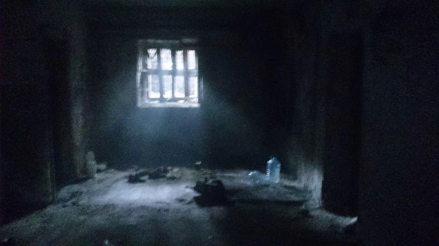 В центре Каменского тушили пожар в подвале жилого дома, фото-2
