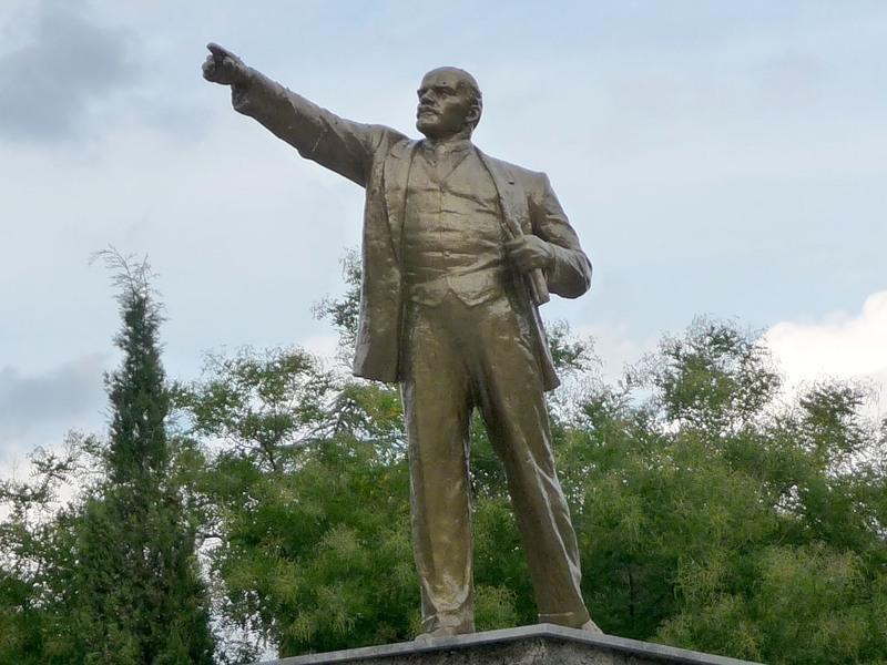 В Судаке неизвестные снесли памятник Ленину (ФОТО), фото-1