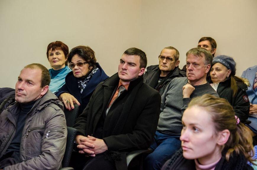 В Днепре презентовали новый остросюжетный роман о войне на Донбассе (ФОТО), фото-8