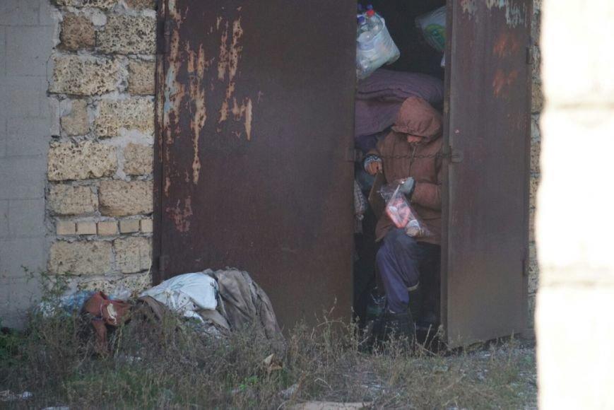 В Каменском женщина, которую мошенники лишили квартиры, живет в гараже около 11 лет, фото-2