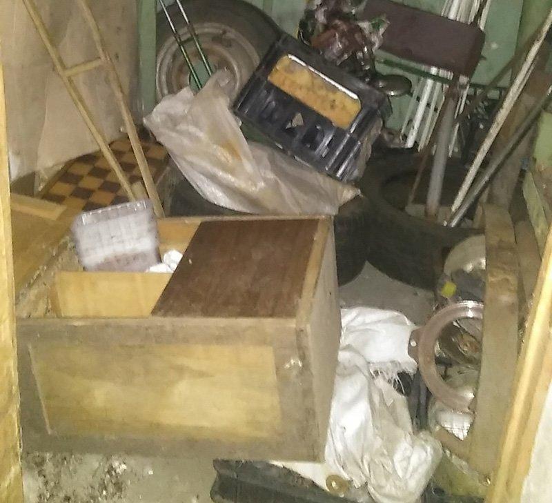 Полицейские Бахмута обнаружили боевую гранату в подъезде многоэтажки (ФОТО), фото-2