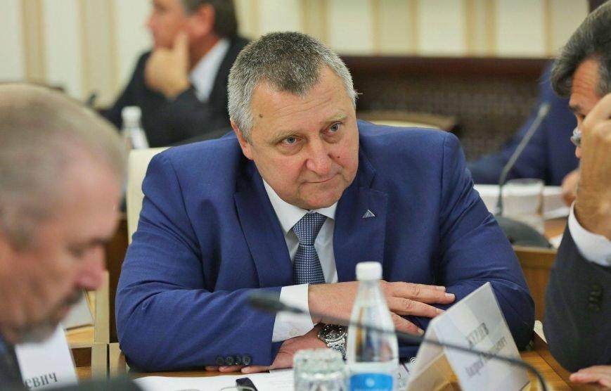 Рогозин рассказал, как Россия возродила оборонные предприятия Крыма (ФОТО), фото-3