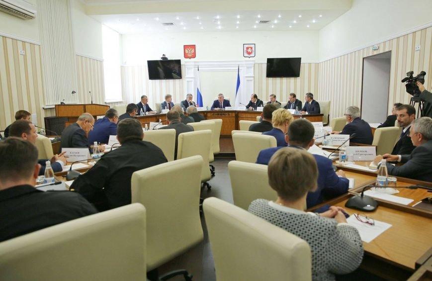 Рогозин рассказал, как Россия возродила оборонные предприятия Крыма (ФОТО), фото-2