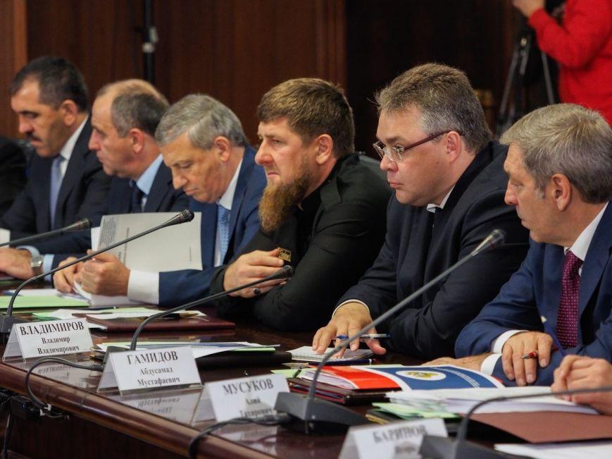 Дмитрий Медведев: Ситуация на Северном Кавказе улучшилась, фото-1
