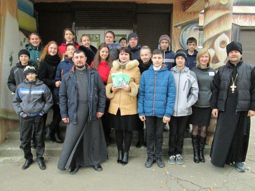 В Мирнограді (Димитрові) заощаджувати електроенергію вчили релігійні діячі, фото-1