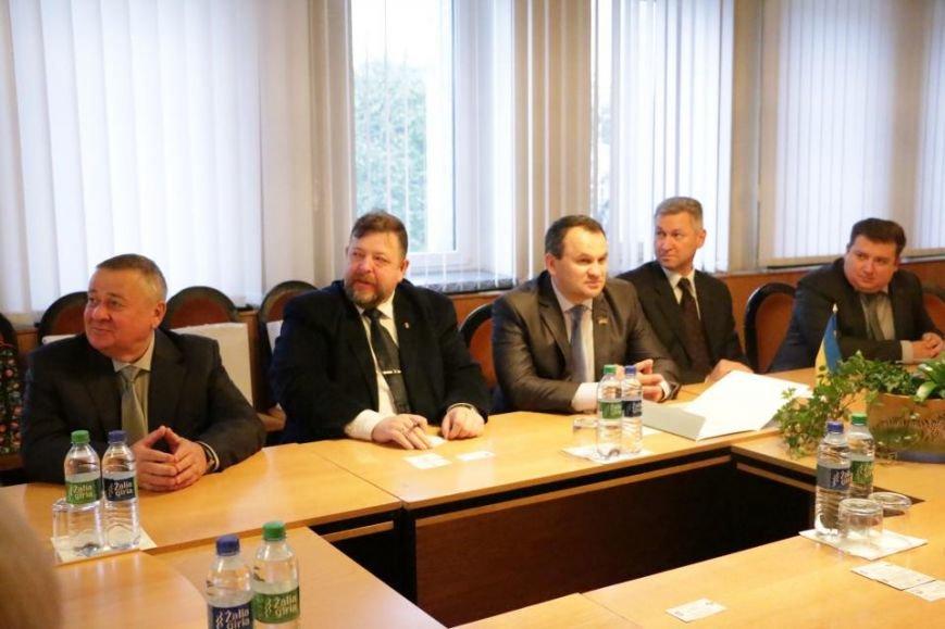 Кременчугская делегация в Алитусе (Литва) посетила ратушу, гимназию и завод, фото-3