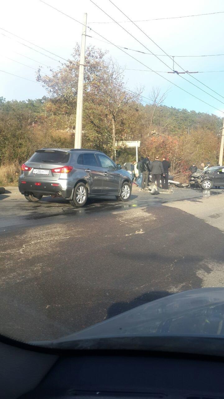 Субботнее утро в Симферополе началось с аварий: «Догонялки» в центре и смертельное ДТП на въезде в город (ФОТО), фото-6