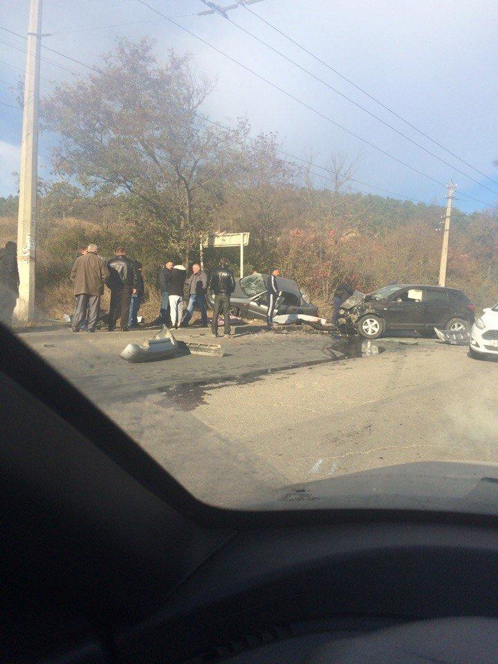 Субботнее утро в Симферополе началось с аварий: «Догонялки» в центре и смертельное ДТП на въезде в город (ФОТО), фото-5