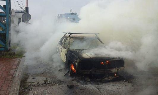 На території митного пункту пропуску «Краковець» згорів автомобіль (ФОТО), фото-4