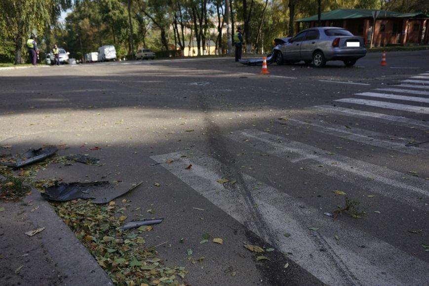 ДТП в Каменском: Daewoo Lanos столкнулся с внедорожником Lexus, фото-2