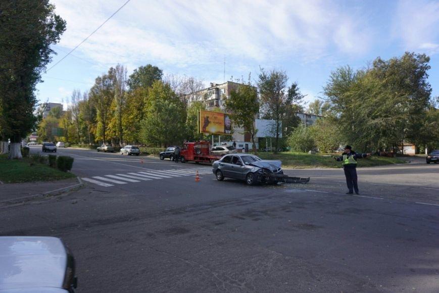 ДТП в Каменском: Daewoo Lanos столкнулся с внедорожником Lexus, фото-8