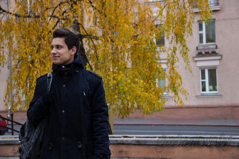 """""""Асцярожна, дзверы зачыняюцца"""": чьими голосами """"говорит"""" общественный транспорт Гродно, фото-2"""