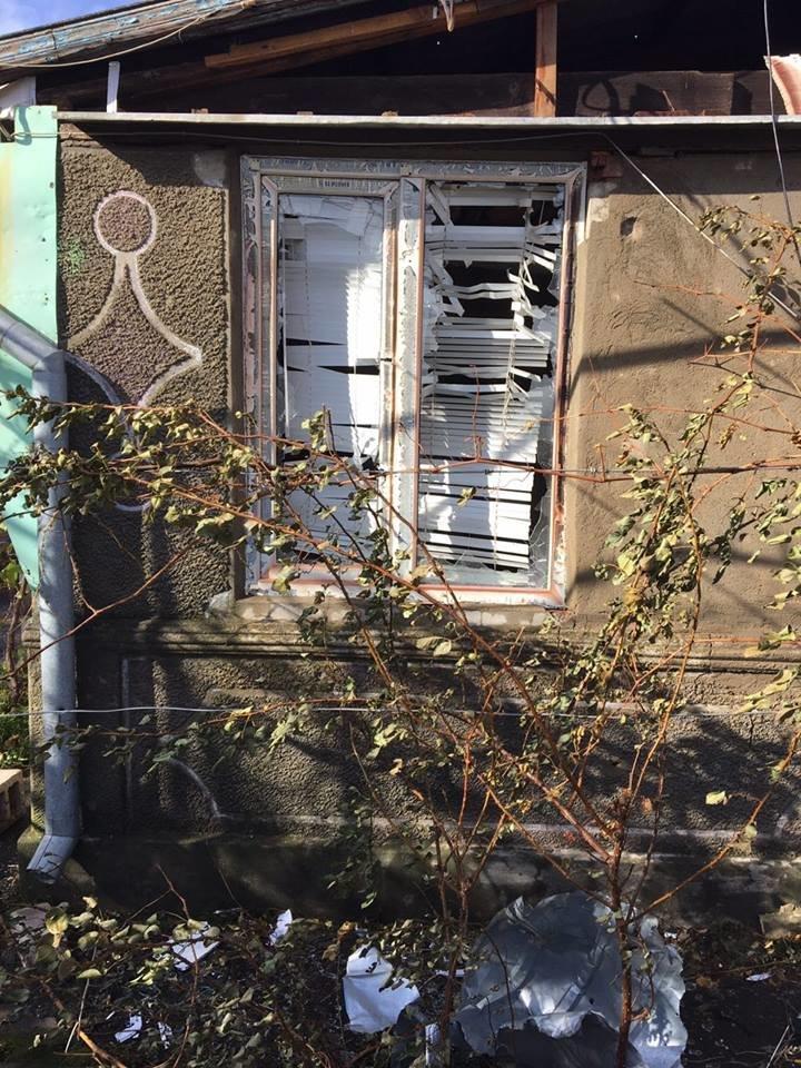 Под Мариуполем обстрелян поселок Талаковка. Начался пожар (Дополнено, ФОТО), фото-3