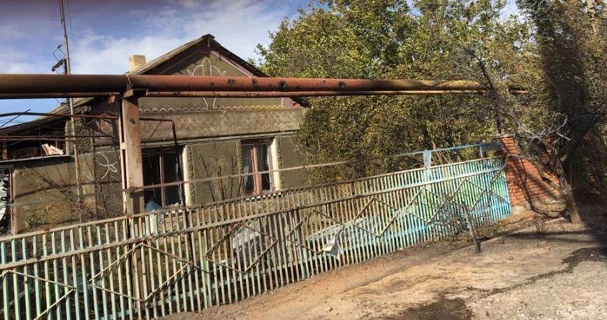 Под Мариуполем обстрелян поселок Талаковка. Начался пожар (Дополнено, ФОТО), фото-1