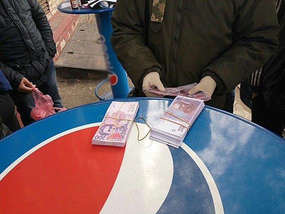 В Запорожье задержали лесничего на взятке 53 тысячи гривен, - ФОТО, фото-1