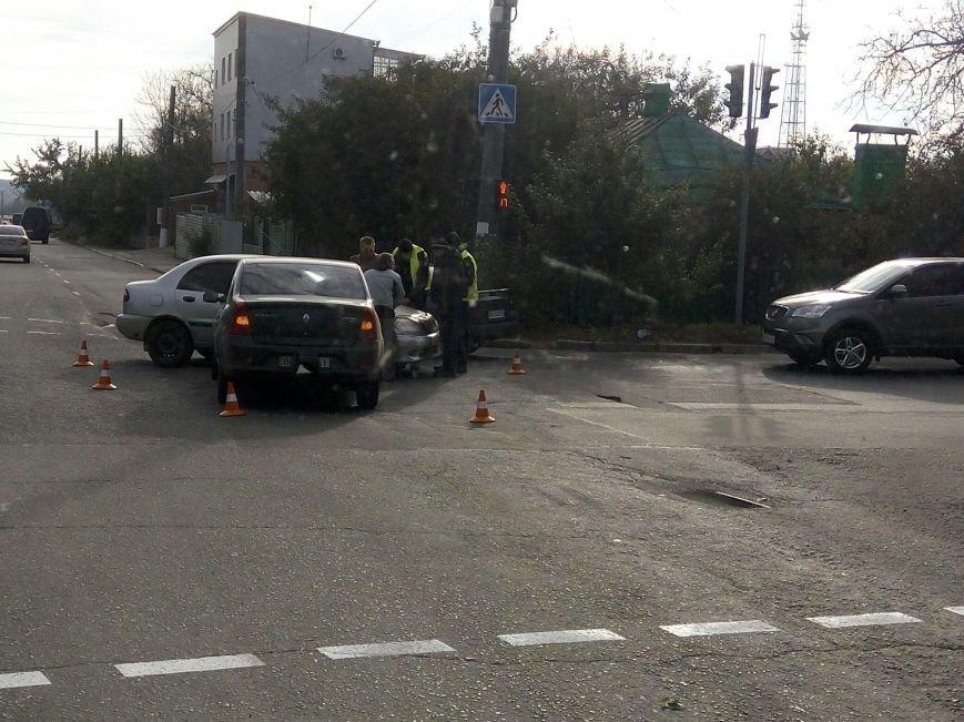 В Кропивнцком случилось ДТП (ФОТО), фото-1