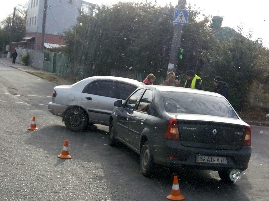В Кропивнцком случилось ДТП (ФОТО), фото-2