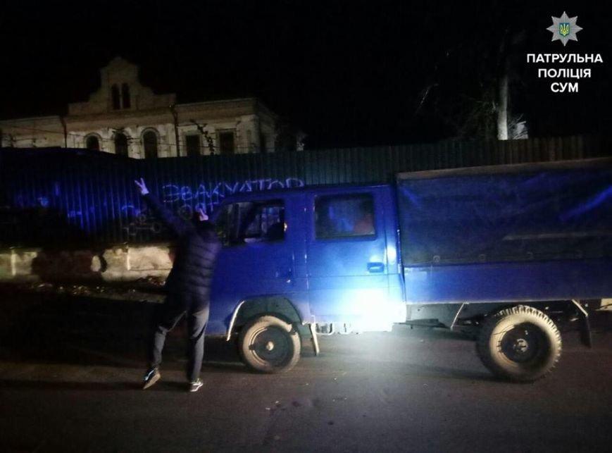 В Сумах пьяный водитель танцевал перед патрульными (ФОТО), фото-1