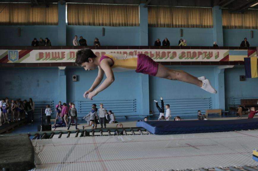 В Каменском состоялся турнир по прыжкам на акробатической дорожке (прыжки на батуте), фото-4
