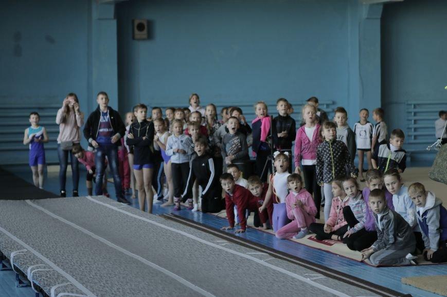 В Каменском состоялся турнир по прыжкам на акробатической дорожке (прыжки на батуте), фото-3