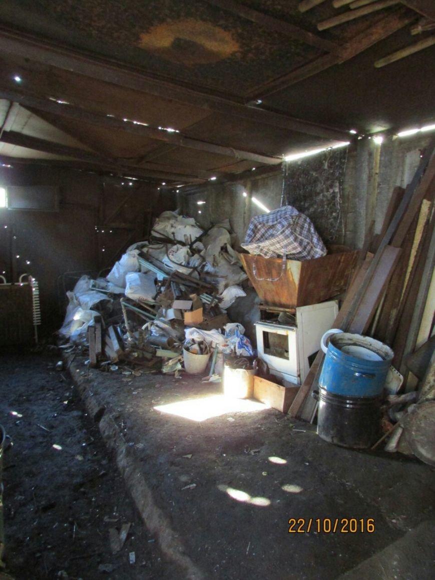 В подсобке бывшего кафе Каменского работал нелегальный пункт приема металлолома, фото-5