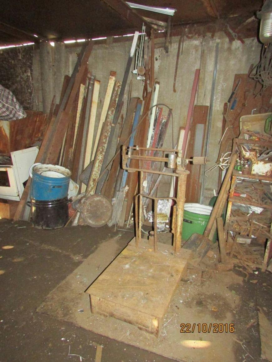 В подсобке бывшего кафе Каменского работал нелегальный пункт приема металлолома, фото-4
