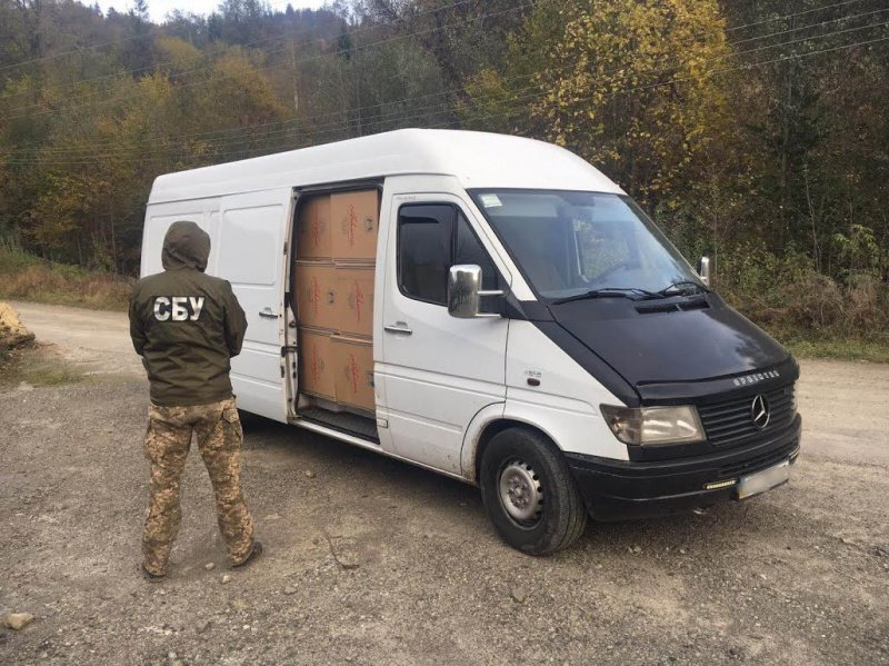 СБУ затримала на Буковині гігантську партію контрабандного тютюну (ФОТО), фото-5