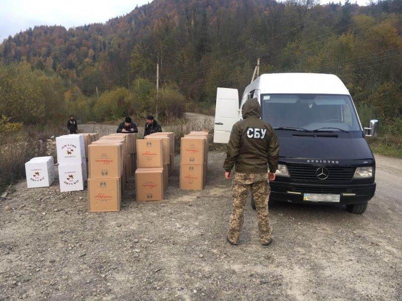 СБУ затримала на Буковині гігантську партію контрабандного тютюну (ФОТО), фото-4