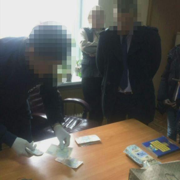 В Каменском сотрудники СБУ задержали на взятке одного из руководителей районной налоговой, фото-1