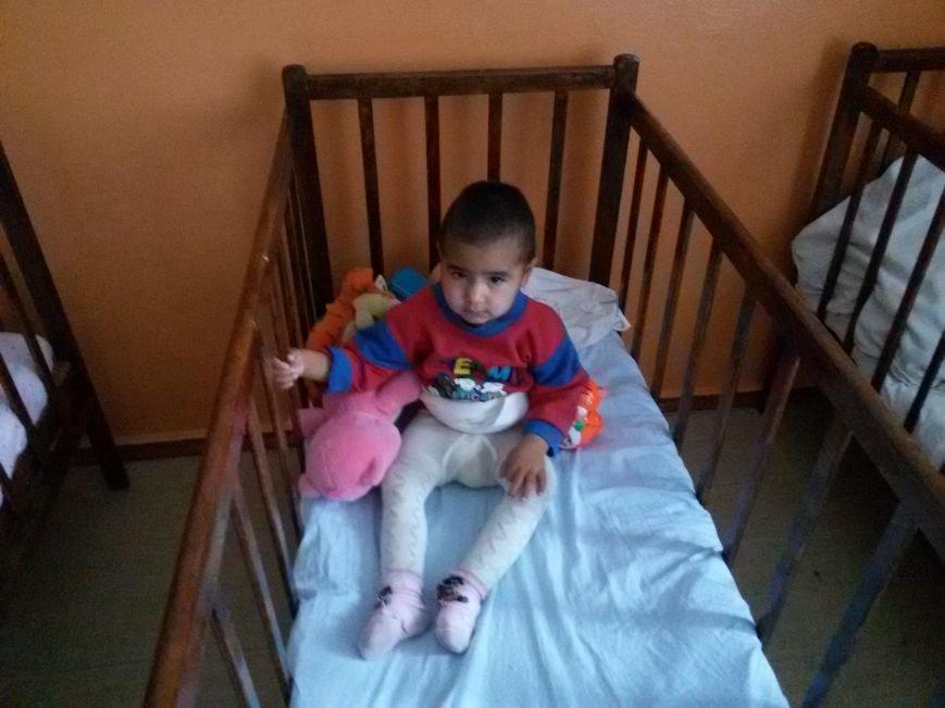 Полиция Каменского просит помочь в поисках родителей оставленной в электричке девочки, фото-2
