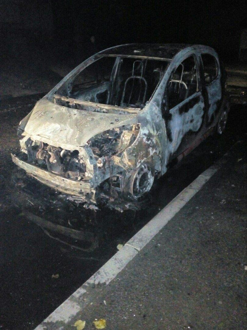 На Залютино подожгли два автомобиля (ФОТО), фото-3
