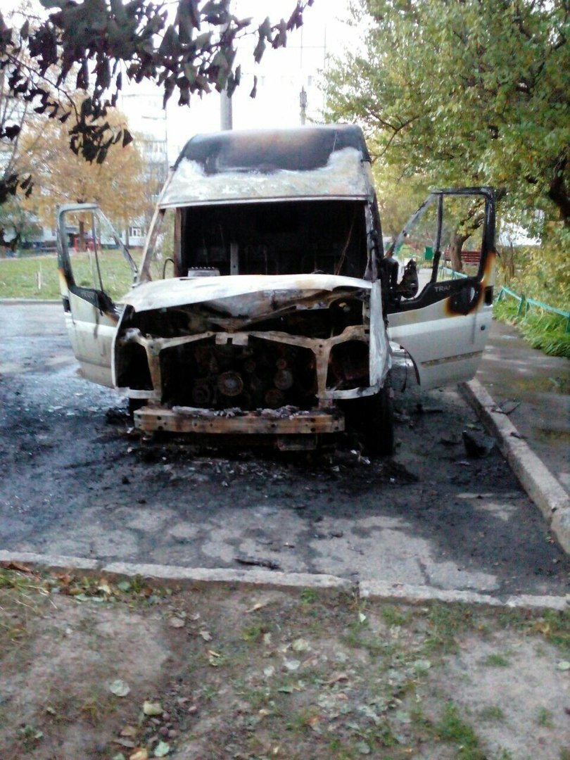 На Залютино подожгли два автомобиля (ФОТО), фото-2