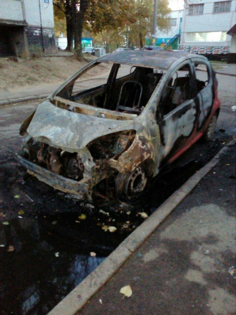 На Залютино подожгли два автомобиля (ФОТО), фото-4