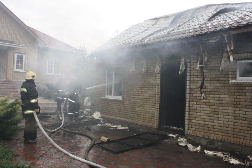 В Запорожье гараж сгорел, вместе с автомобилем, - ФОТО, ВИДЕО, фото-2