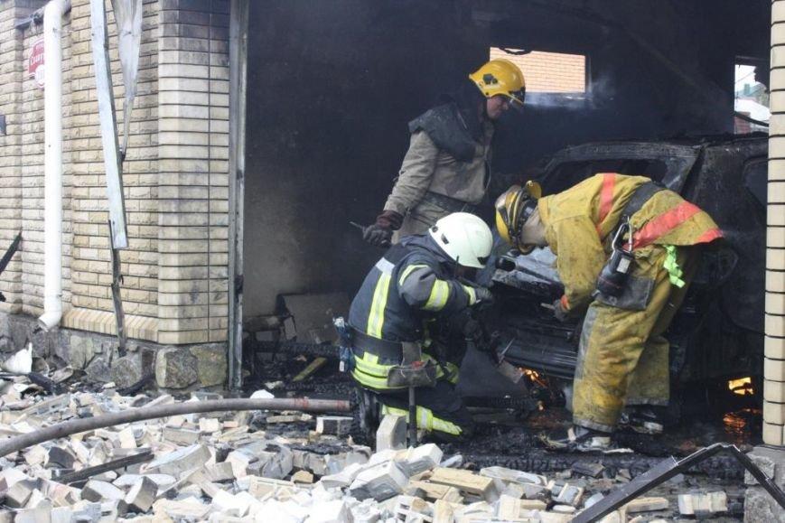 В Запорожье гараж сгорел, вместе с автомобилем, - ФОТО, ВИДЕО, фото-5