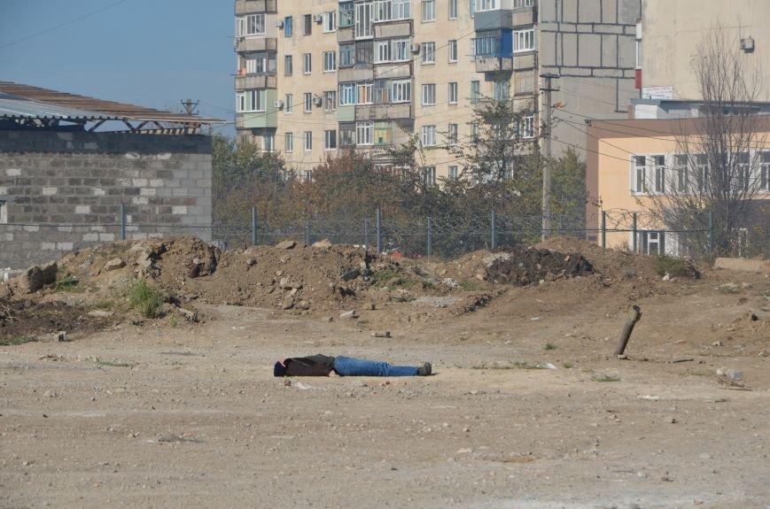 В Мариуполе на глазах у Жебривского из обстрелянного дома спасли 12 человек (ФОТО+ВИДЕО), фото-20