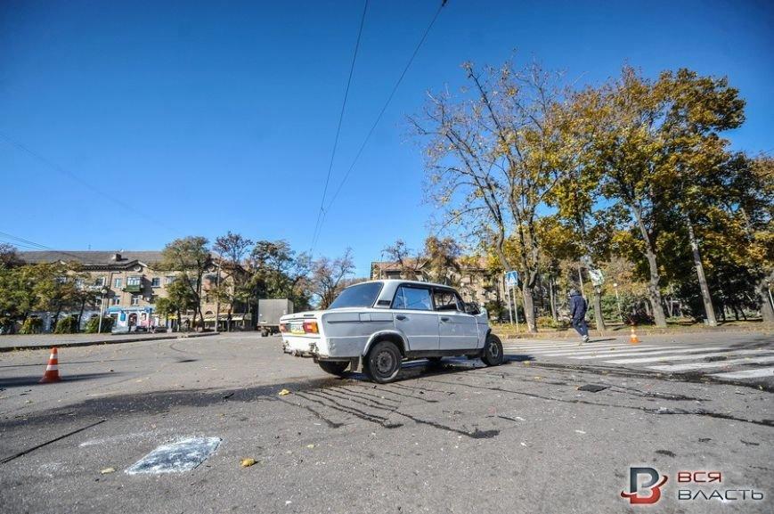 В центре Запорожья такси врезалось в маршрутку, - ФОТО, фото-2