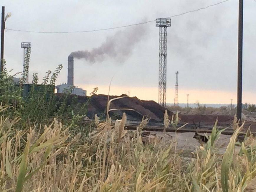 Как мариупольцы живут под трубами аглофабрики и дышат пылью рудного двора (ФОТО, ВИДЕО), фото-6