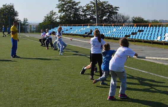 Поліцейські взяли участь у футбольному фестивалі на Буковині (ФОТО), фото-1