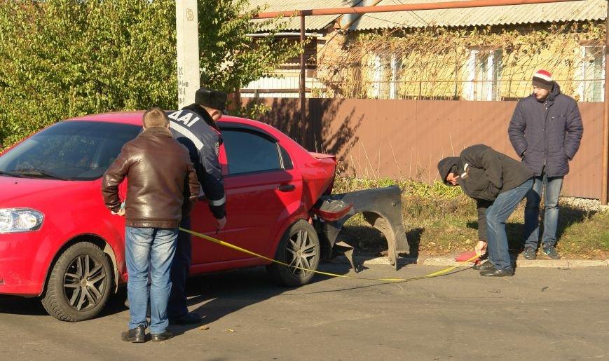 Роковой перекресток: в Покровске столкнулись два автомобиля, фото-7