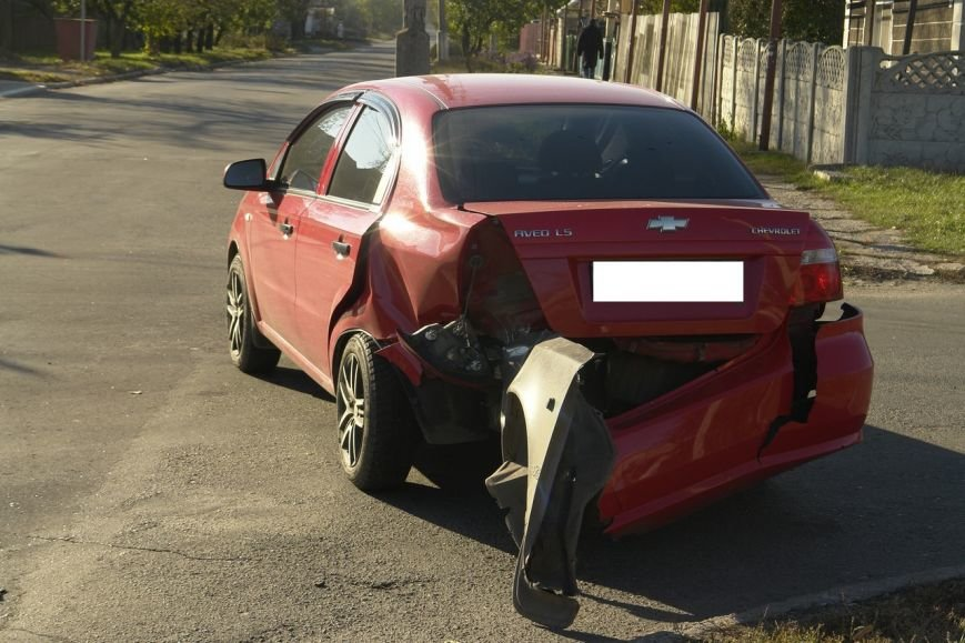 Роковой перекресток: в Покровске столкнулись два автомобиля, фото-3