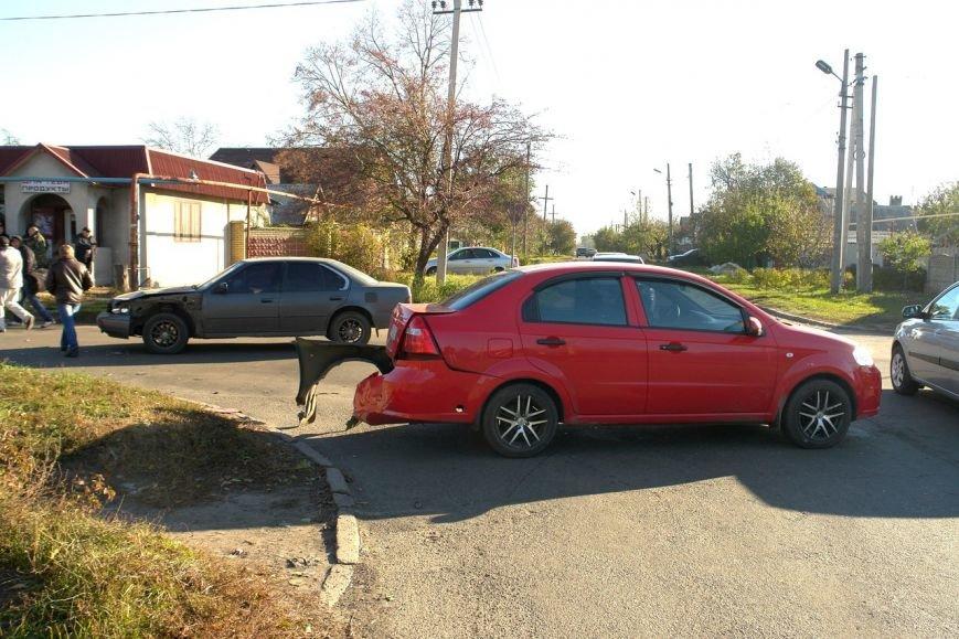 Роковой перекресток: в Покровске столкнулись два автомобиля, фото-4