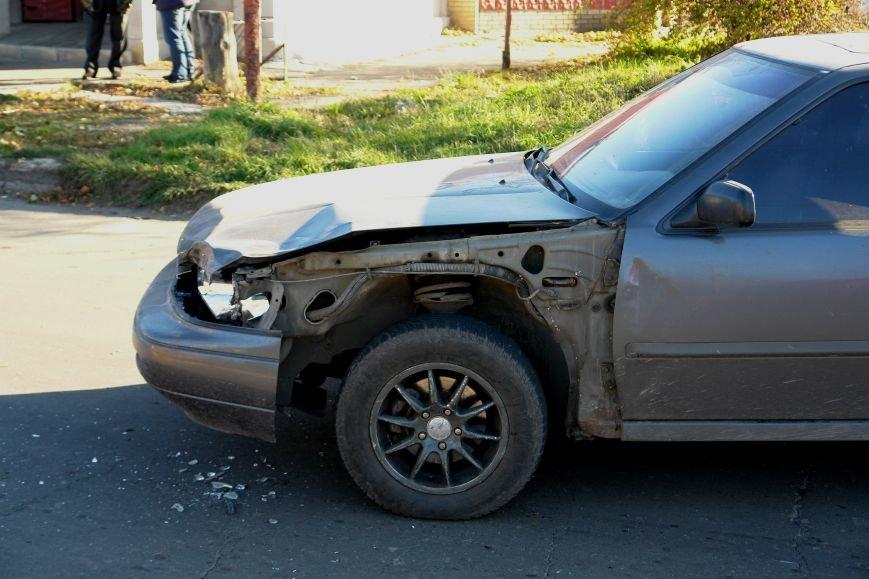 Роковой перекресток: в Покровске столкнулись два автомобиля, фото-6