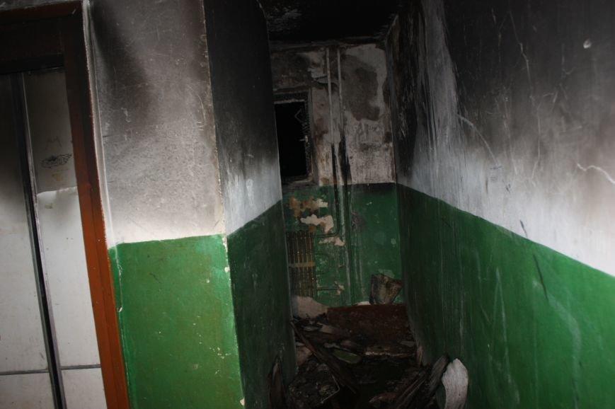 Кропивницкий: спасателями ликвидирован пожар на лестничной клетке жилой многоэтажки (ФОТО), фото-1