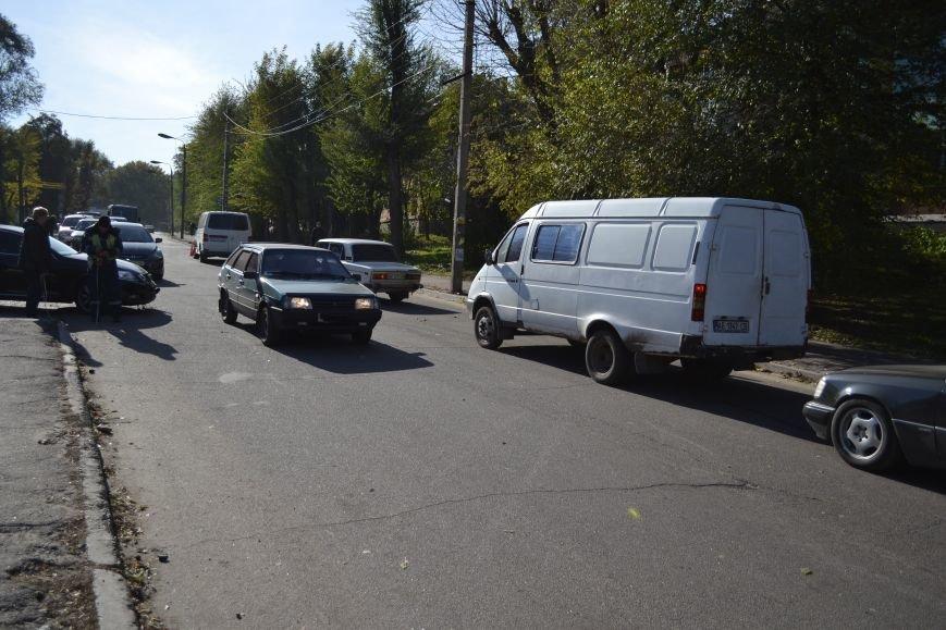 """В Каменском в ДТП столкнулись """"Лексус"""" и микроавтобус """"Фольксваген"""", фото-5"""