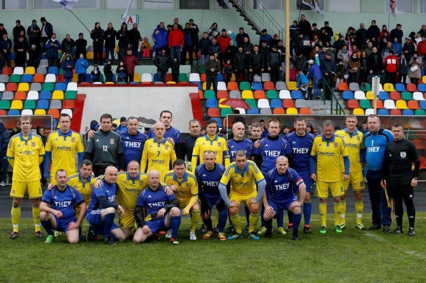 Футболісти ТНЕУ зіграли з гравцями національної  збірної України серед ветеранів, фото-1