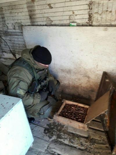 В нежилом доме Зайцево пограничники обнаружили 1,5 тысячи скрытых патронов, фото-1