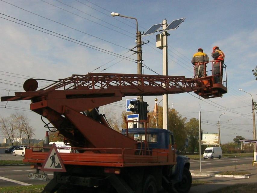 В Кременчуге появился светофор на солнечных батареях (ФОТО), фото-1