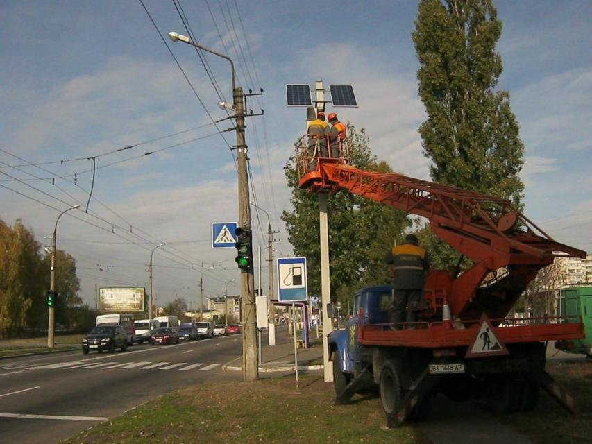 В Кременчуге появился светофор на солнечных батареях (ФОТО), фото-2